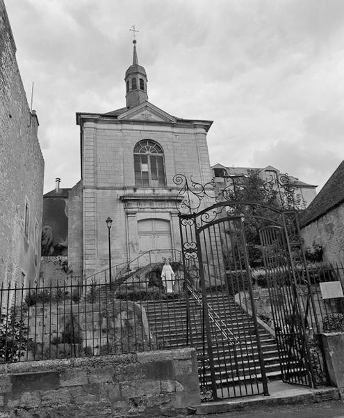 couvent de bénédictines, puis couvent de visitandines, puis hôpital ; aujourd'hui logement