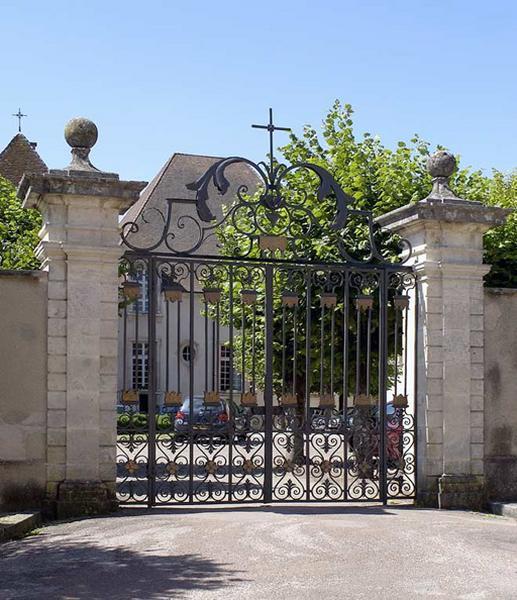 vantaux, grille de fermeture du portail