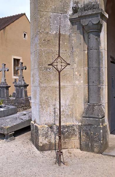 croix de faîtage de l'ancien clocher