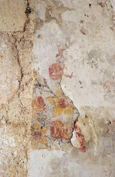 Peinture monumentale : Jésus devant Caïphe, évêques, saint Pierre, croix de consécration et bouquets