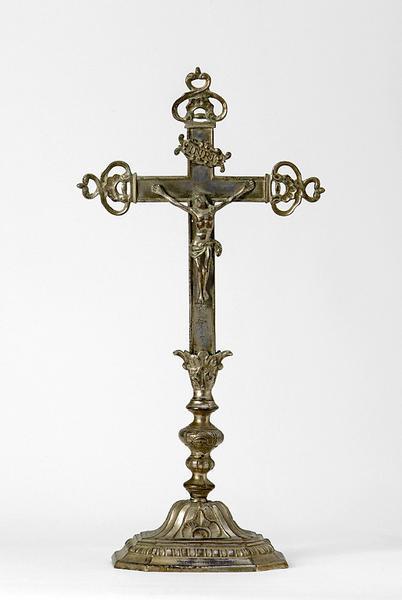 Croix d'autel
