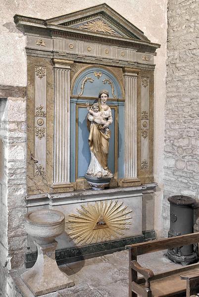 Façade d'autel, retable et statue