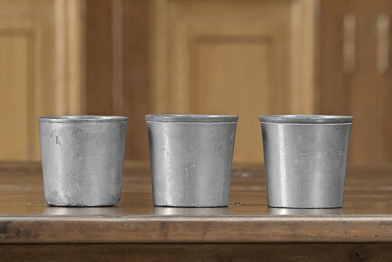 Ensemble de 3 gobelets dit timbales