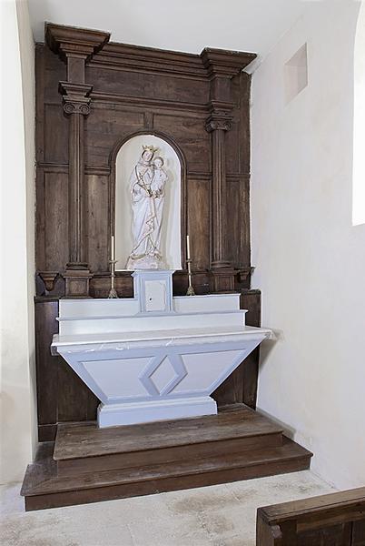 Ensemble de deux autels avec tabernacles et un retable