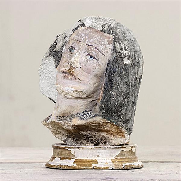 Statue : tête de saint Martin (?)