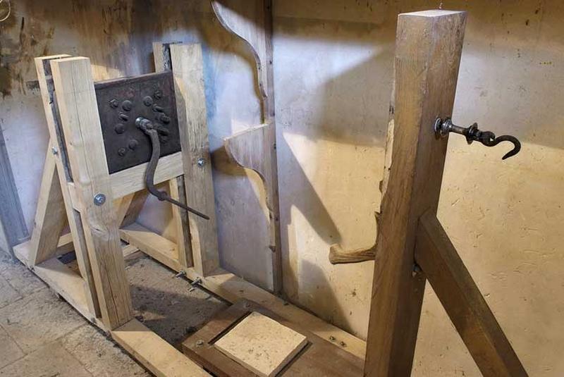 instrument à faire des cordes (touret à corder)