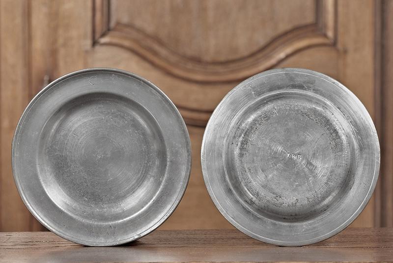 Série de douze assiettes creuses (n° d'inventaire 88.160 à 168)