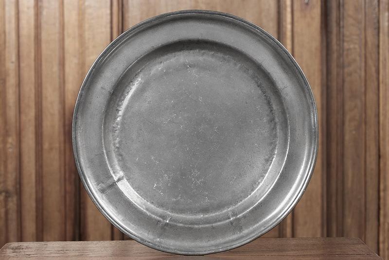 ensemble de deux plats (n° d'inventaire 258 et 262)