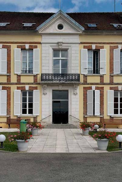 Hôpital actuellement maison de retraite dite Résidence Saint-Julien