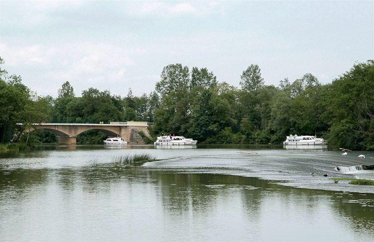 pont routier de Cuisery (la Seille canalisée)