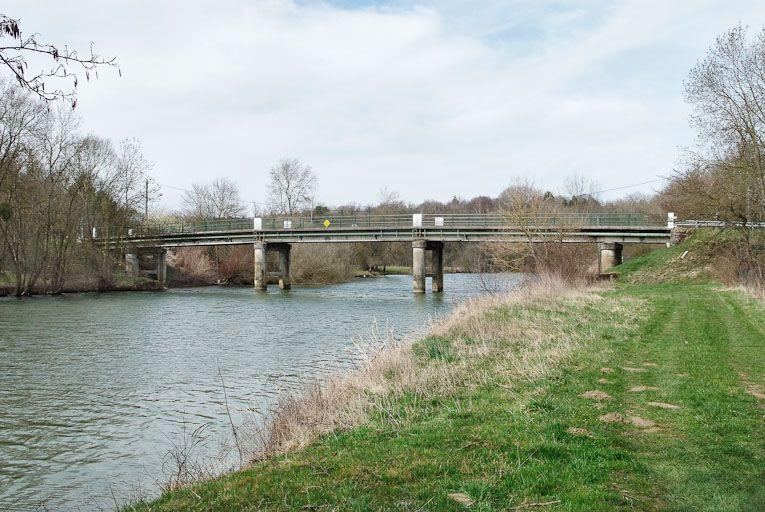 pont routier sur la D 475 ; pont de Chevreuse (la Seille canalisée)