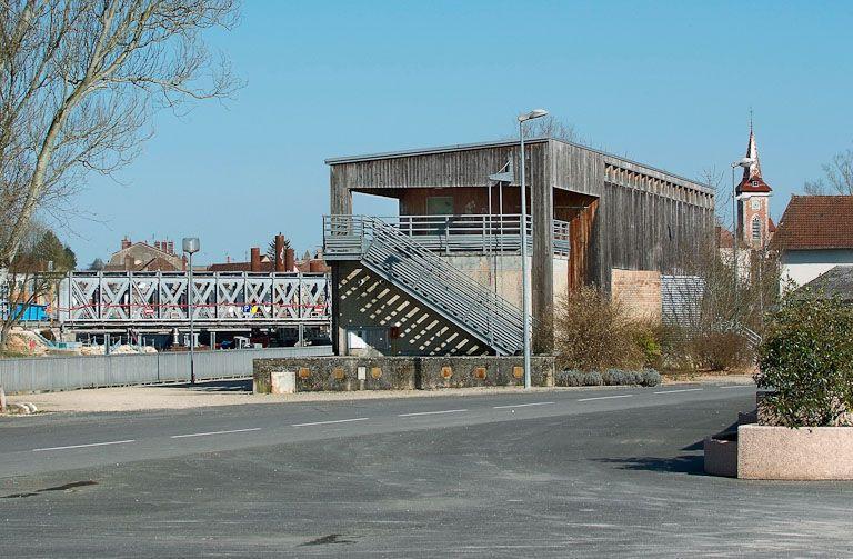 port de Louhans (la Seille canalisée), établissement portuaire ; capitainerie du port de Louhans (la Seille canalisée)