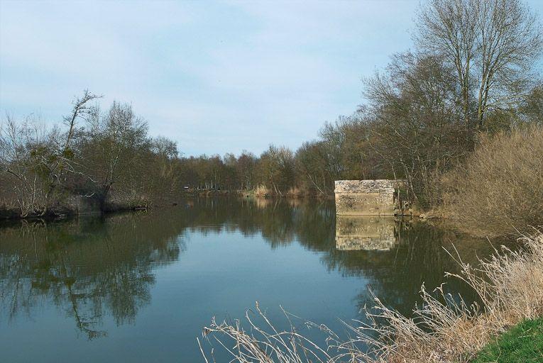 pont mobile, pont à bascule dit pont-levis de Loisy (la Seille canalisée)