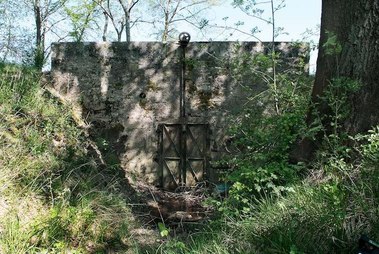 Aqueduc dit de la Tourbière (?) (la Seille canalisée)