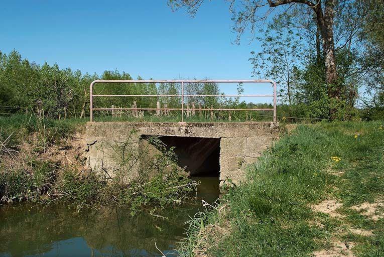 ponceau, pont du Moulin Neuf ; pontceau du Bief du Moulin Neuf (la Seille canalisée)