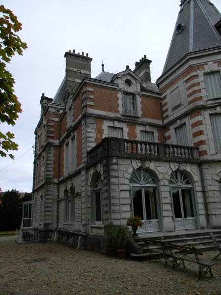 Communs ; château de Corton André