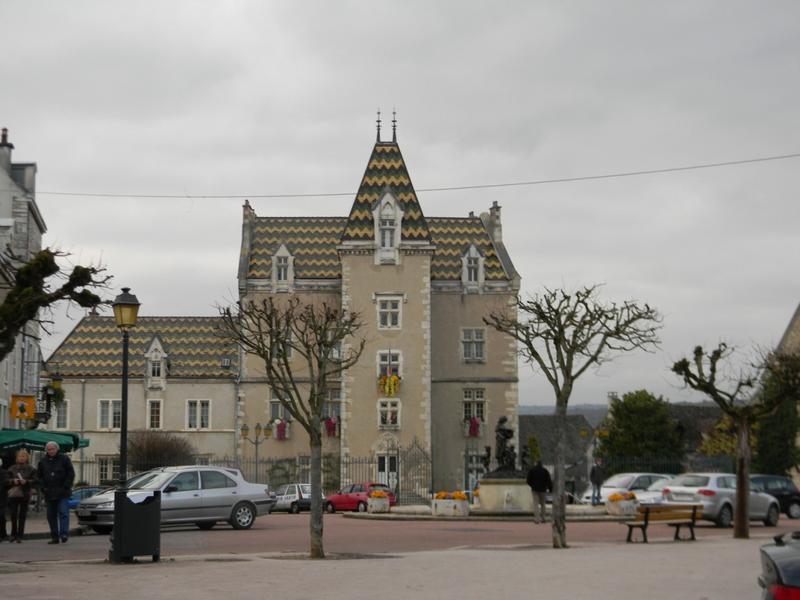 ancien château, actuellement hôtel de ville