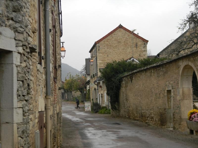 Front bâti de la route de Beaune