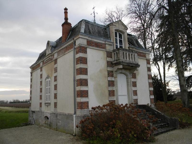 pavillon d'entrée ; château de Meursault