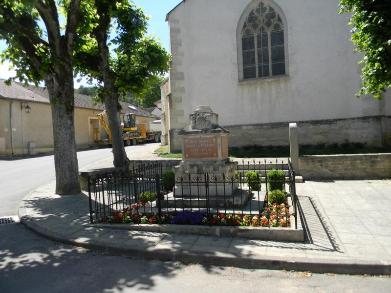 2 monuments aux morts