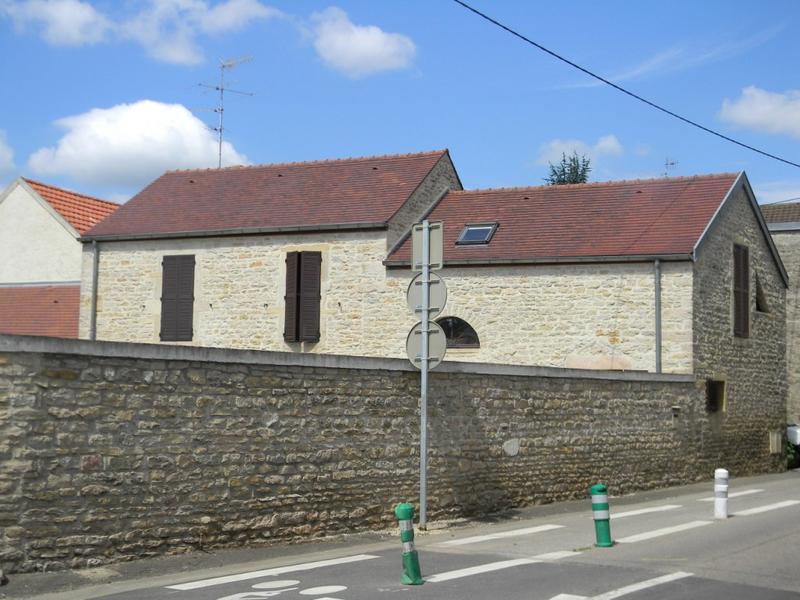 ensemble d'édifices à cour commune