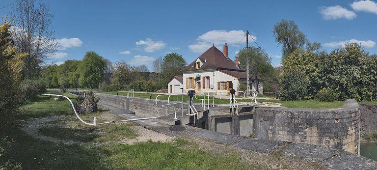 site de l'écluse 51 du versant Saône, dite de Bruant (canal de Bourgogne)
