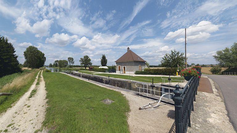 site de l'écluse 64 du versant Saône, dite d'Epoisses (canal de Bourgogne)