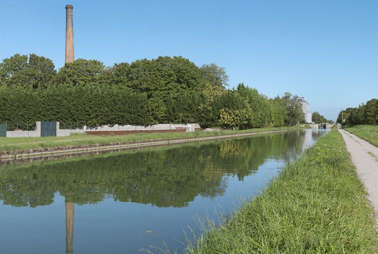 usine ; haut fourneau ; sucrerie ; distillerie (canal de Bourgogne)