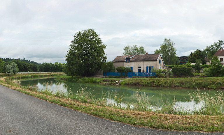 maison de garde de Pont-de-Pany (canal de Bourgogne)