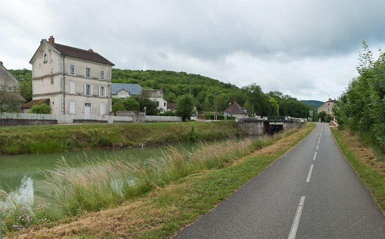 maison de perception de Pont-de-Pany (canal de Bourgogne)