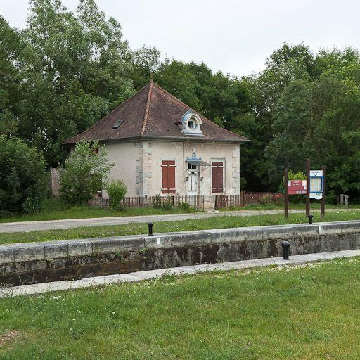 site de l'écluse 42 du versant Saône, dite de Fleurey (canal de Bourgogne)