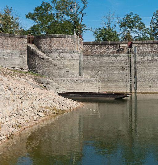 Barrage du réservoir de Pont (canal de Bourgogne)
