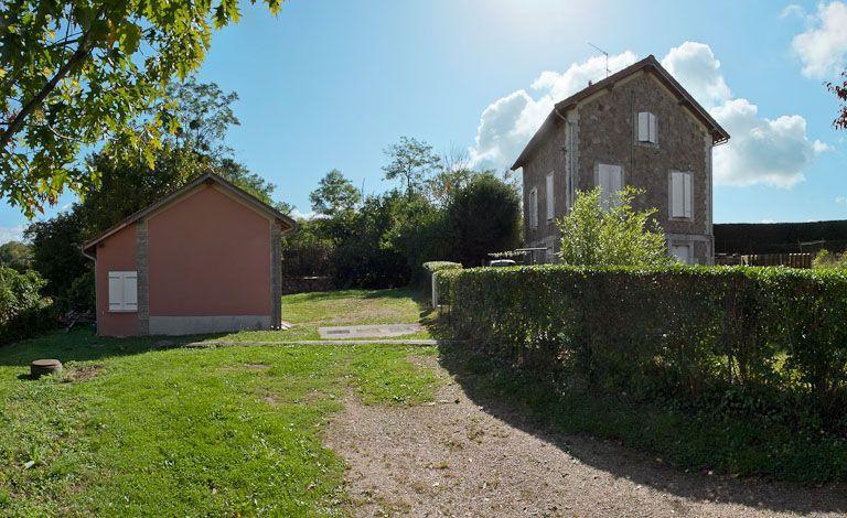 Maison de garde du réservoir de Pont (canal de Bourgogne)