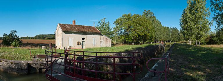 site de l'écluse 30 du versant Yonne, dite de Marigny 13ème (canal de Bourgogne)