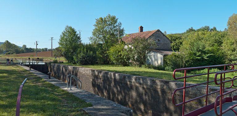 site de l'écluse 51 du versant Yonne, dite de Pouillenay 15ème (canal de Bourgogne)