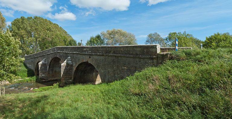 pont de Courcelles-lès-Montbard (canal de Bourgogne)