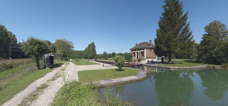 Site de l'écluse 112 du versant Yonne, dite du Moulin Neuf (canal de Bourgogne)