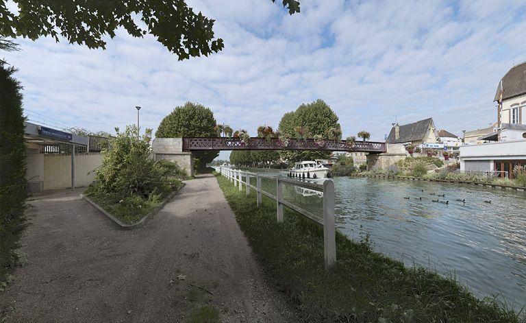 passerelle (canal de Bourgogne)