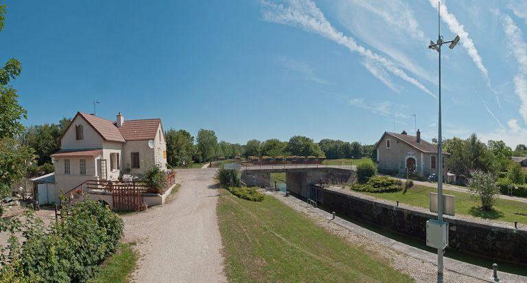 site de l'écluse 85 du versant Yonne, dite de Lézinnes (canal de Bourgogne)