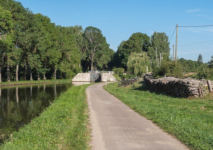 site de l'écluse 04 du versant Saône, dite du Grand Pré (canal de Bourgogne)