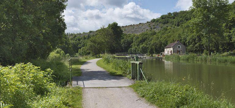 Site de l'écluse 19 du versant Saône, dite de la Sarrée (canal de Bourgogne)