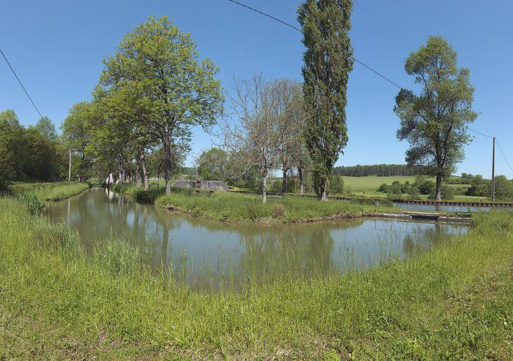 rigole d'alimentation ; prise d'eau de Pont-d'Ouche (canal de Bourgogne)