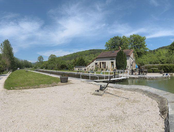 site de l'écluse 22 du versant Saône, dite de Veuvey (canal de Bourgogne)