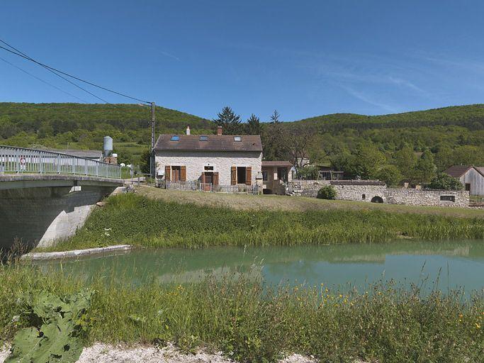 maison de garde de Barbirey-sur-Ouche (canal de Bourgogne)