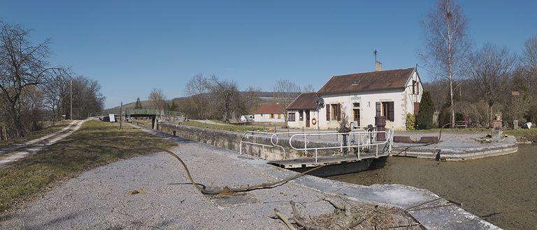 site de l'écluse 12 du versant Yonne, dite de Gissey-le-Vieil (canal de Bourgogne)