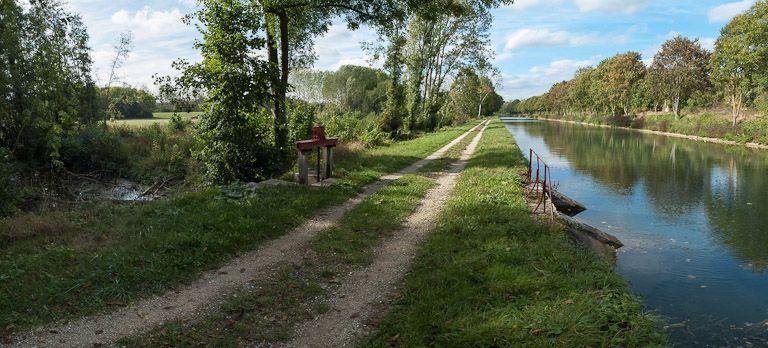déversoir de fond de Tronchoy (canal de Bourgogne)