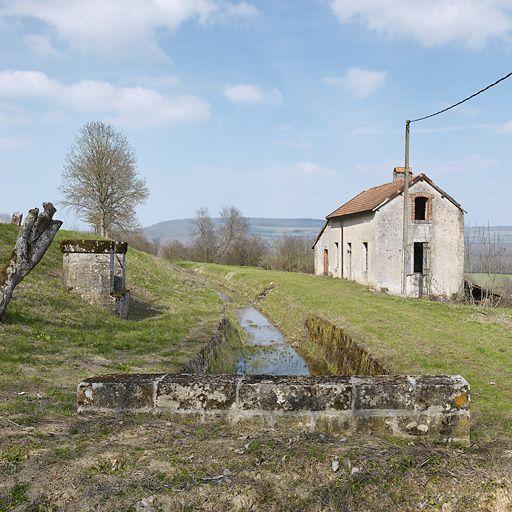 Maison de garde de la rigole de Thorey ou maison de garde d'Eguilly (canal de Bourgogne)
