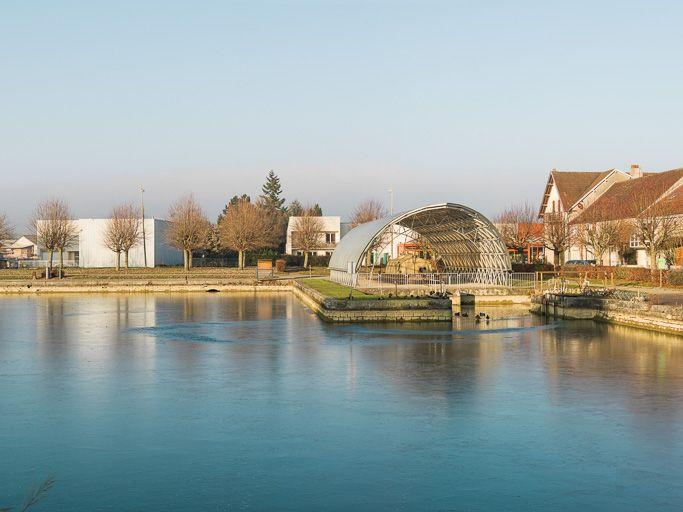 Port de Pouilly-en-Auxois (canal de Bourgogne)