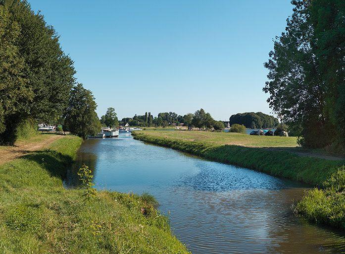 rigole d'alimentation de l'étang de Vaux (canal du Nivernais)