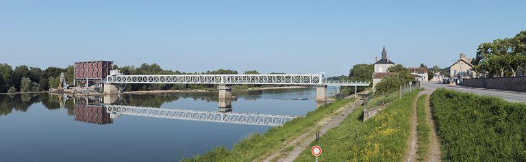 Barrage mobile sur la Loire (canal latéral à la Loire) (canal du Nivernais)